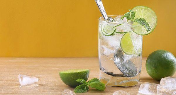 éviter la grippe avec un jus de citron frais